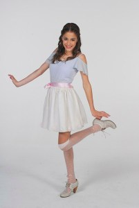 Violetta-cast-violetta-disney-channel-30849407-402-600