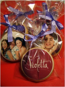 Galletas violetta y monster00005