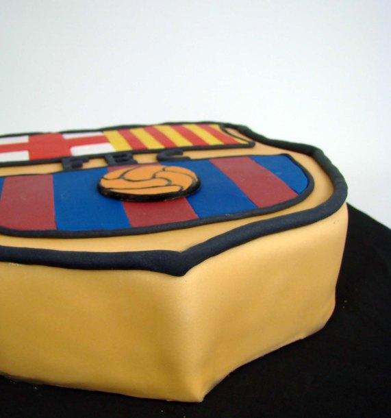 Tarta fondant del escudo del barcelona